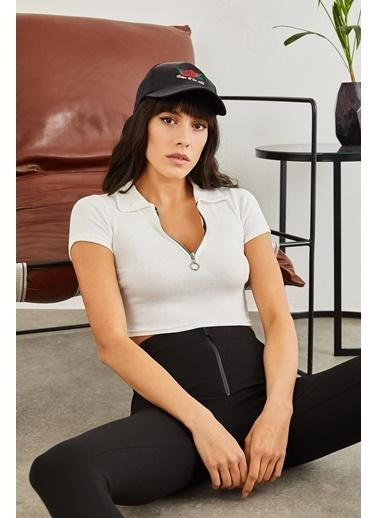 Sortee Kadın Polo Yaka Kaşkorse Crop Bluz Beyaz